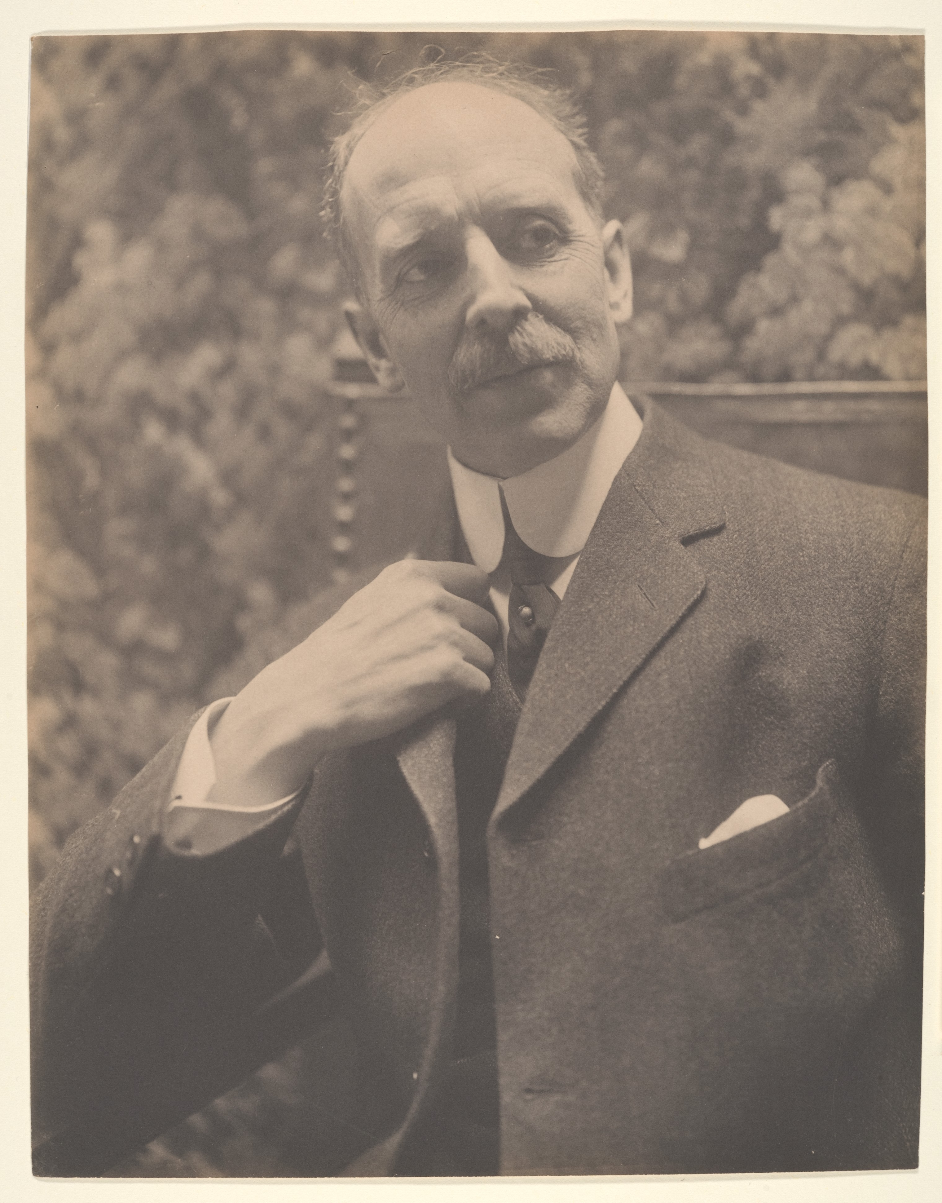 Photograph of Chester Daniel French taken between 1900-1910, from Metropolitan Museum of Art - Gallery Images.