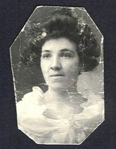 Addie Ryan, photograph probably taken around the time of her marriage in 1902.