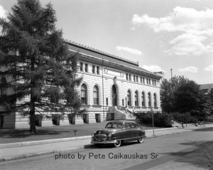 1940-1950 photograph of the Manchester City Library, photo by Pete Caikauskas Sr.