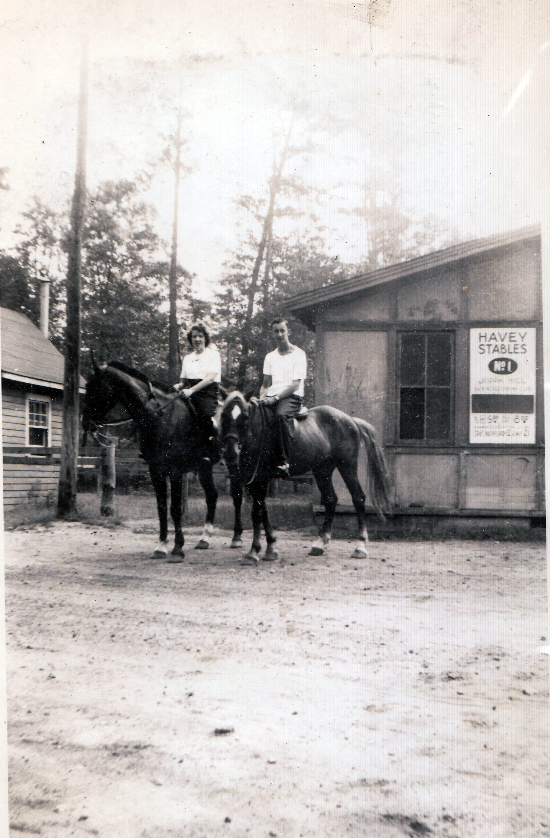 Mary Manning and friend George at Haveys Stables 1940s