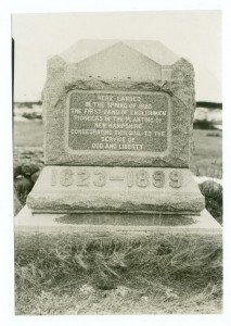 Photograph: Tablet at Odiorne's Point, marking first settlement in New Hampshire. St. Clair Studio 1899-1920. The Miriam and Ira D. Wallach Division of Art, Prints and Photographs, Digital Public Library of America.