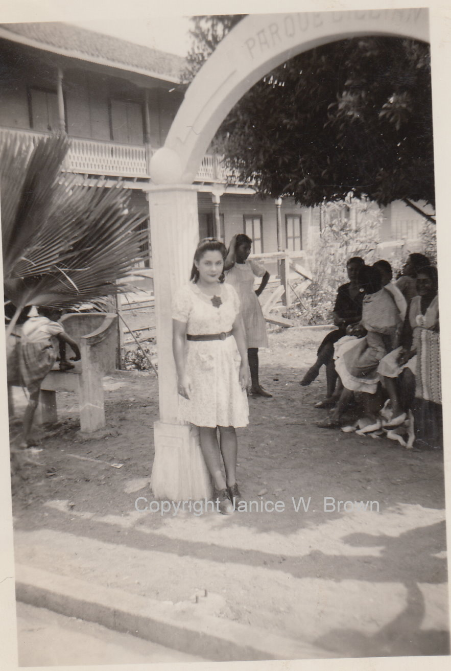 w0099995 – girl probably Mexico yms245